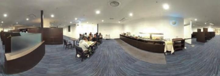 川口オートレース場の特別観覧席(360度のVR画像を1枚の平面写真にしている)