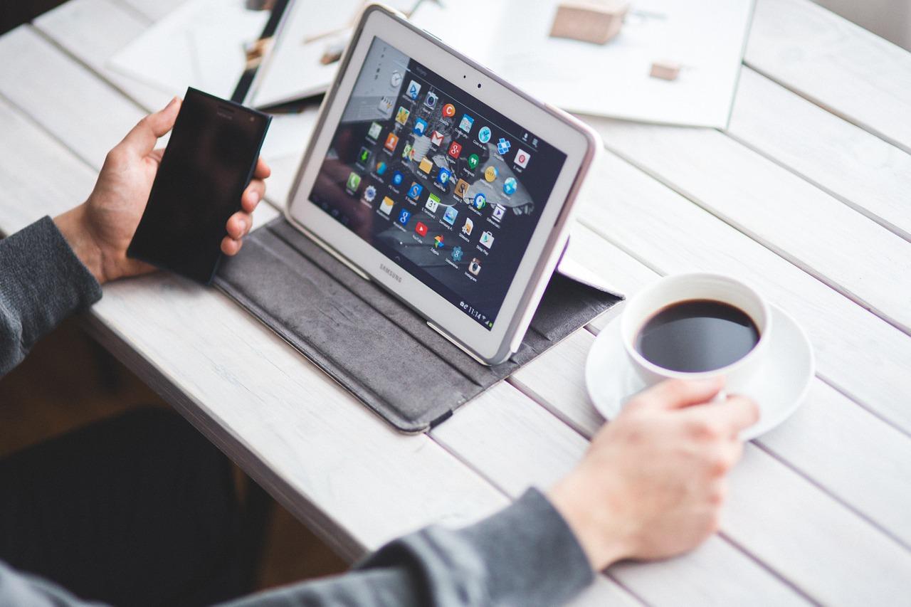 電子契約のメリット・デメリット-10月から電子書面交付の社会実験スタート